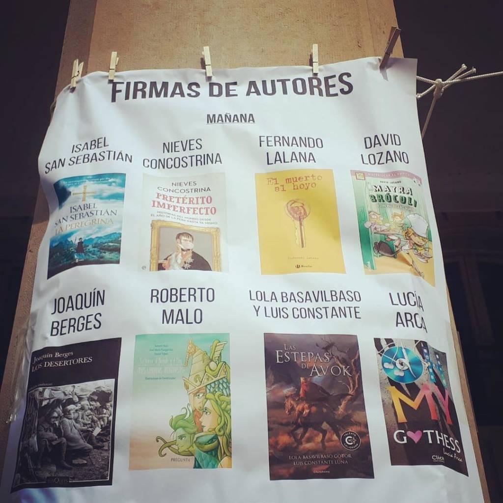 El día del libro en Zaragoza tuvimos la oportunidad de firmar ejemplares en la Librería París